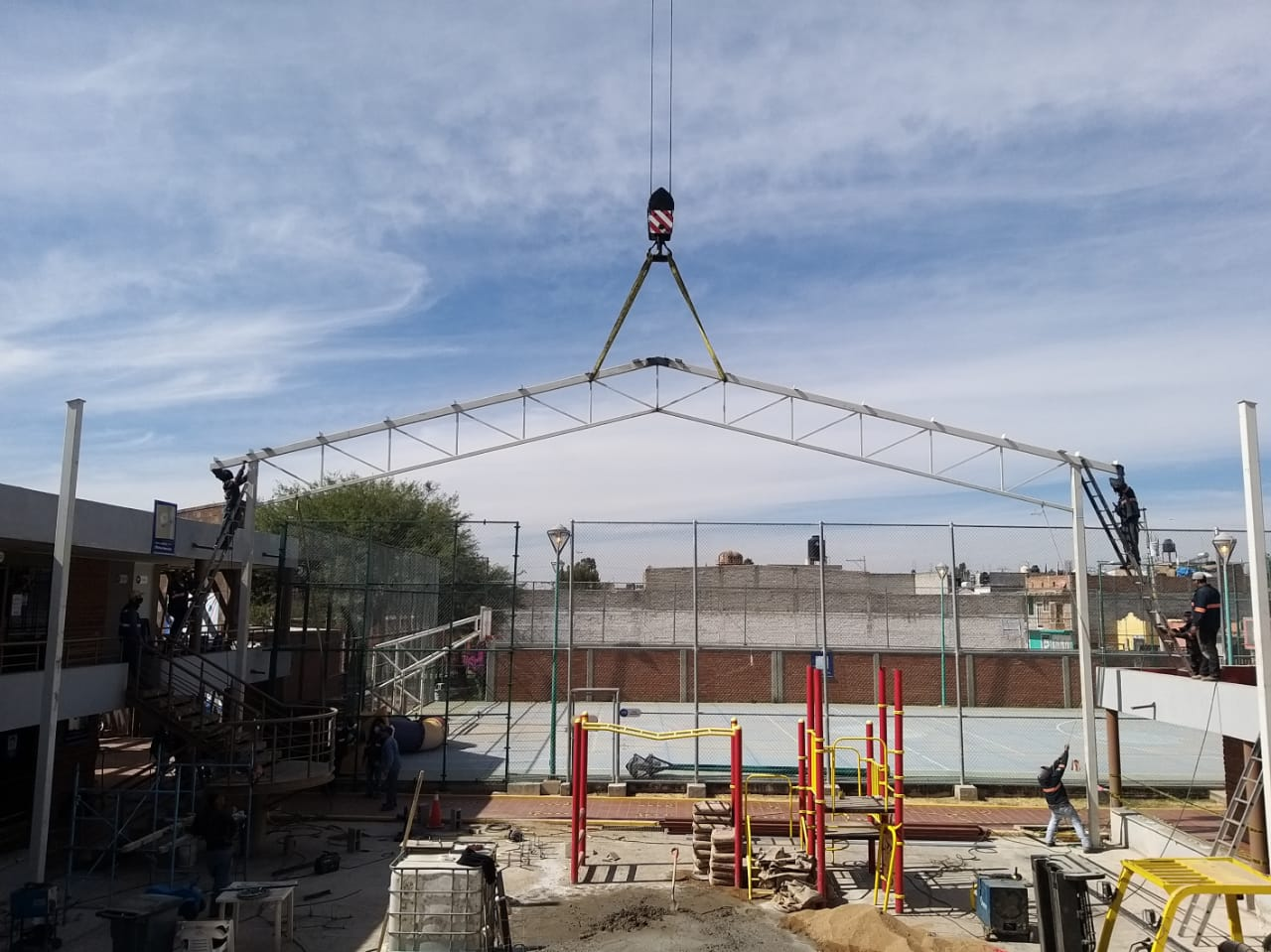 Realizan obras complementarias en Centros Impulso Silao