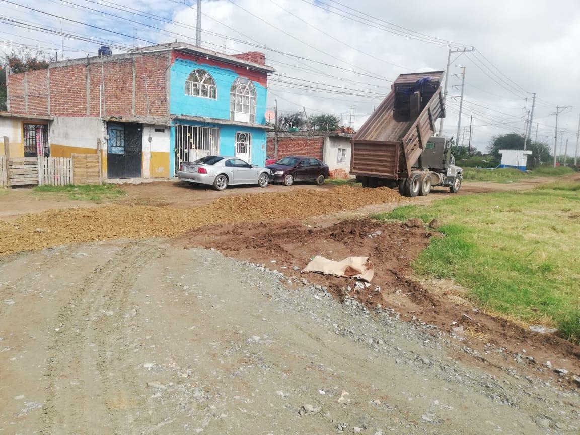 Municipio realiza emparejamiento de calles urbanas y rurales