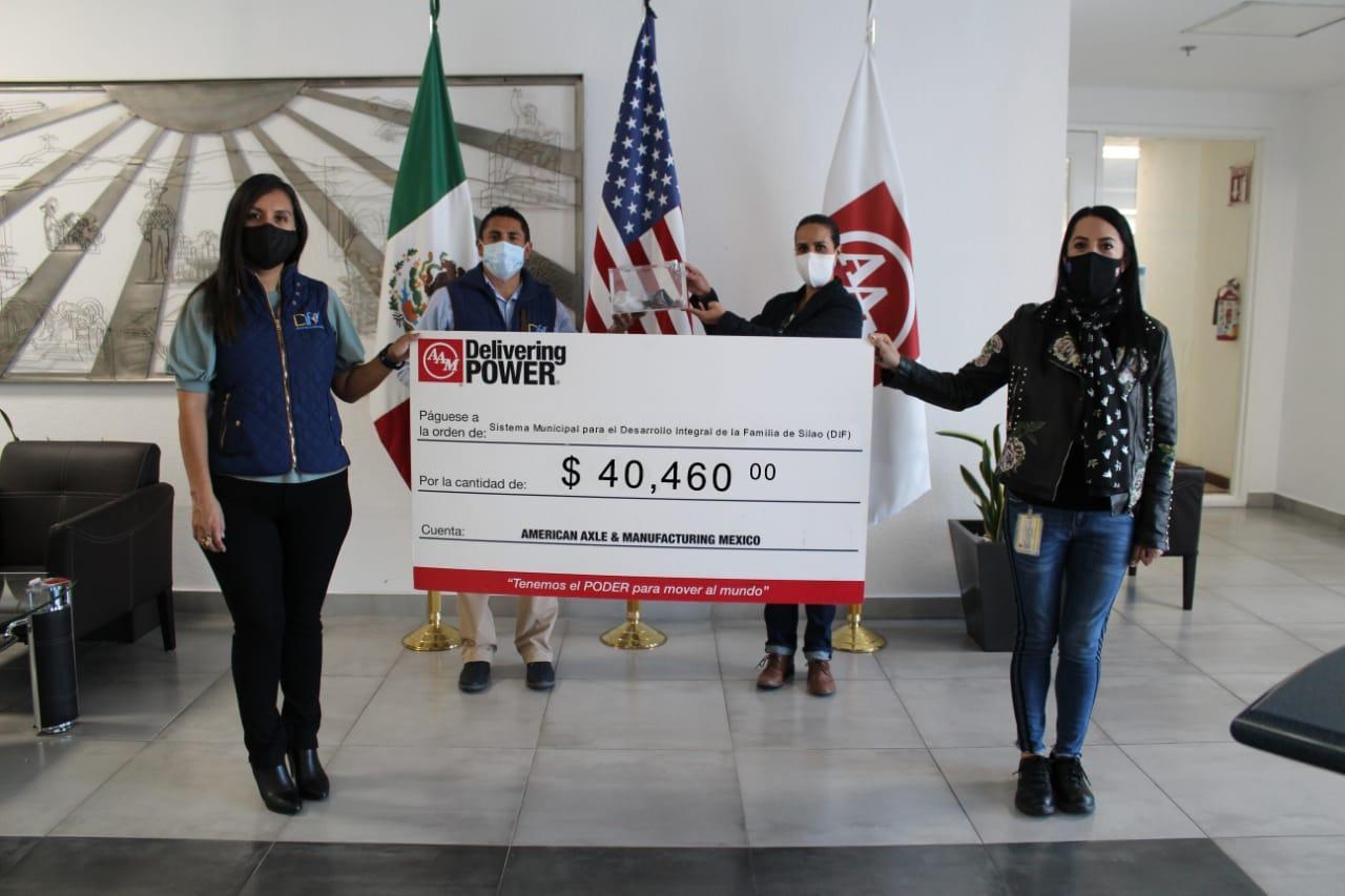 Reconoce DIF a American Axle por donativo