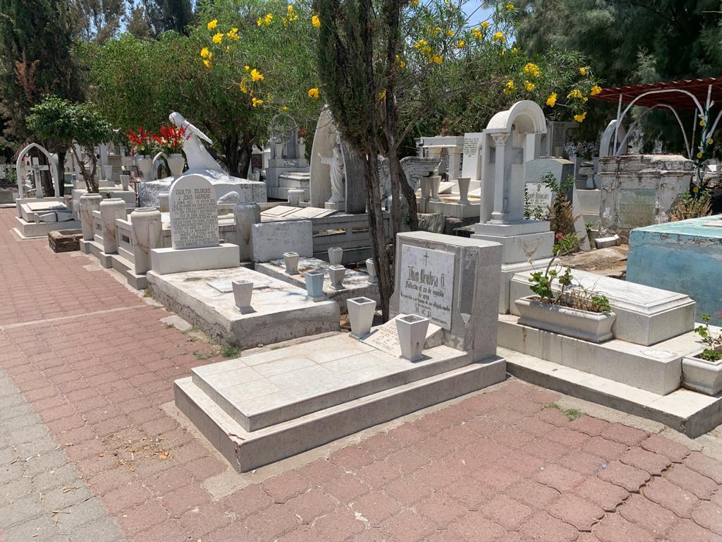 Panteones permanecerán cerrados el 31 de octubre, 1 y 2 de noviembre