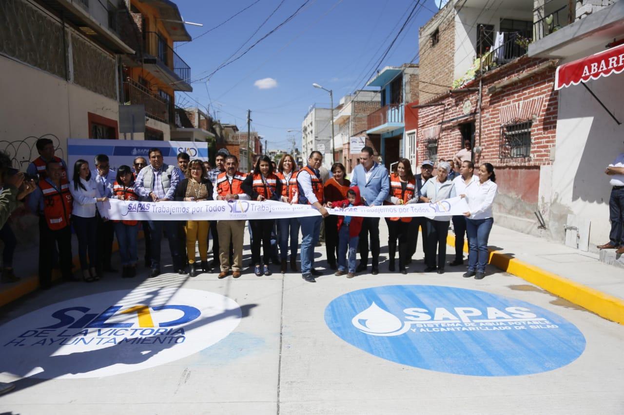 Toño Trejo cumple con  la entrega de calles Arenal y Sóstenes Rocha