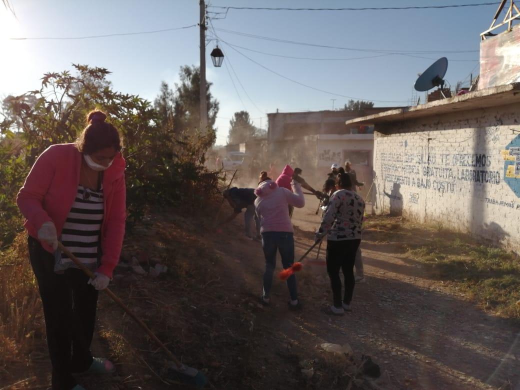 Hacen sinergia ciudadanía y Gobierno Municipal para limpiar tajo de colonia Tierra y Libertad