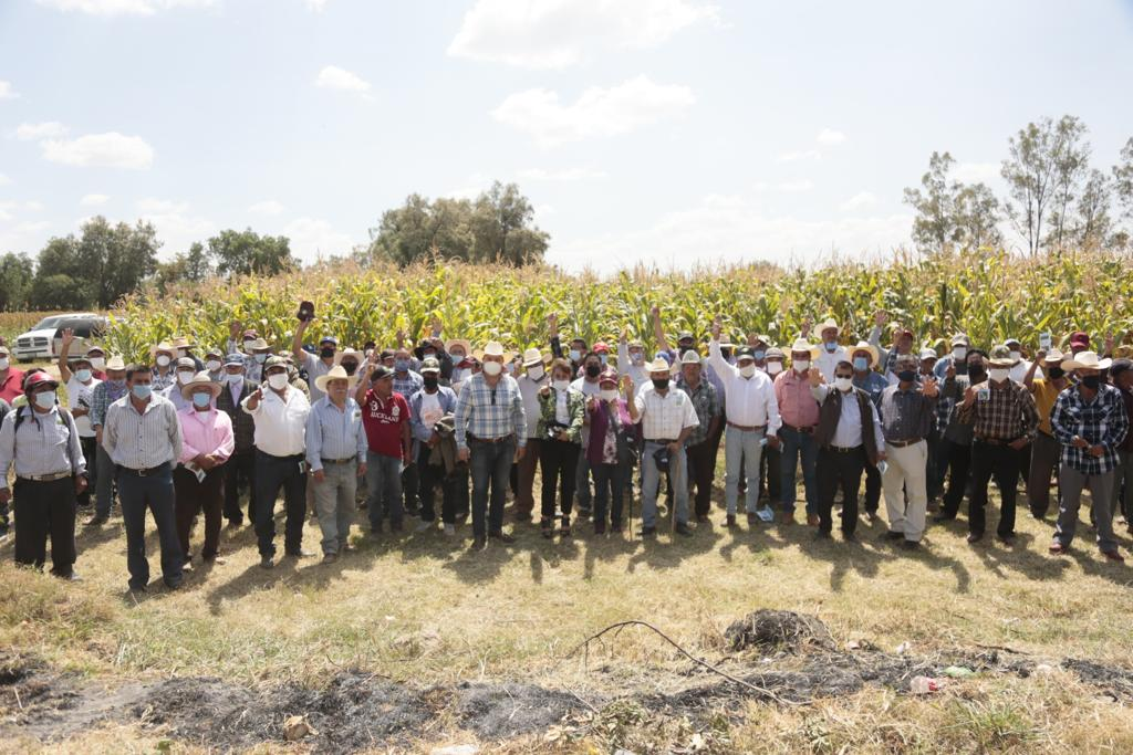 Productores agrícolas atestiguan calidad de insumos entregados