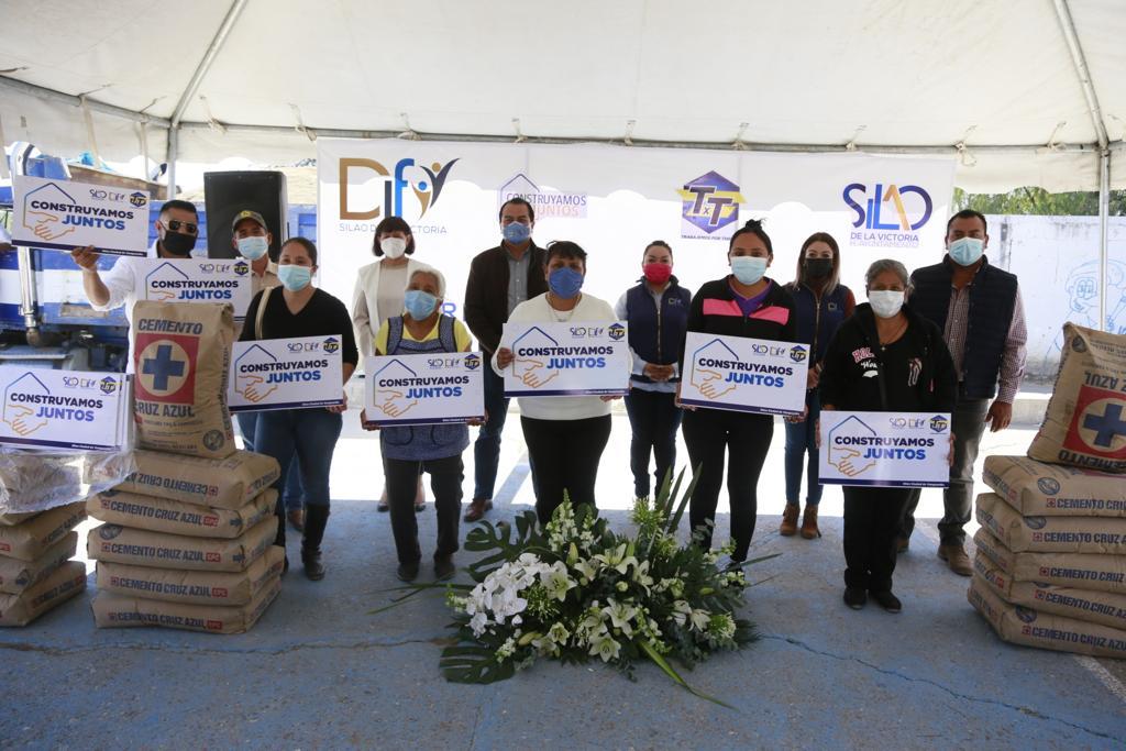 Entrega Gobierno Municipal y DIF Silao material de construcción