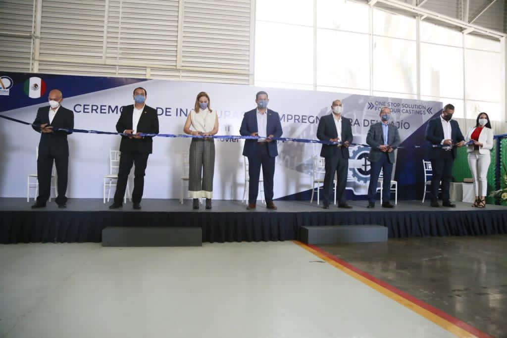 Toño Trejo asiste a inauguración de Planta impregnadora del Bajío